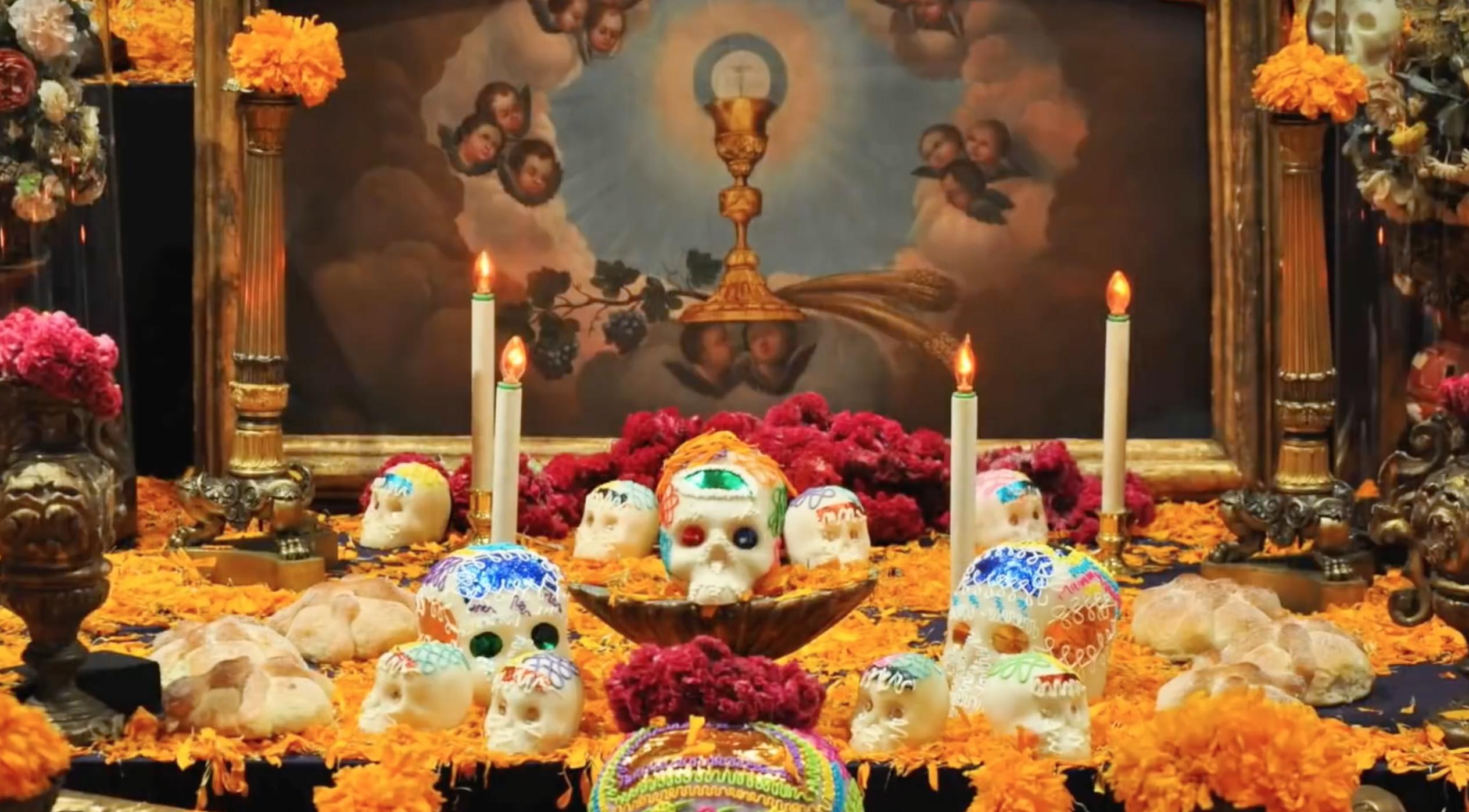 Autel de célébration pendant el Dia de los Muertos au Mexique